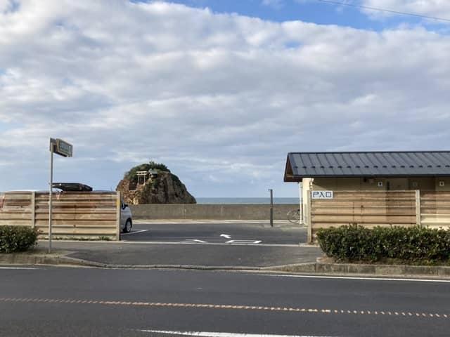 弁天島の駐車場入り口